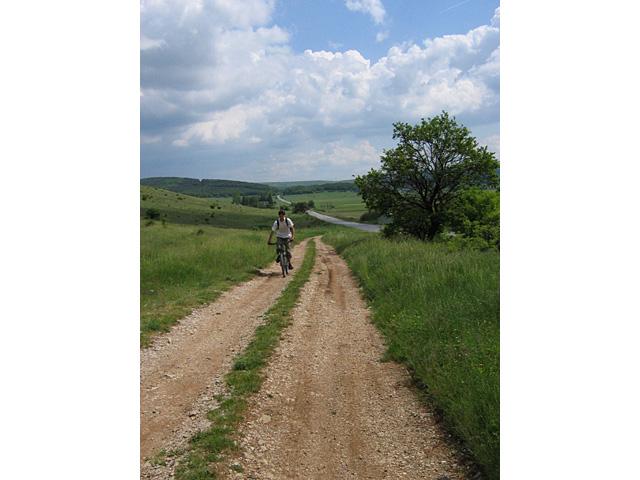 Вие разглеждате снимки от статията: Чибаовци - Искрец - Бучин проход - Чибаовци